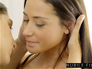 Abella Danger Gives adorable Bestie very first three way! S29:E3