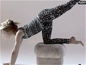fabulous booty gymnast Rita