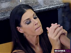 mom pokes sonnie And licks creampie For Thanksgiving treat