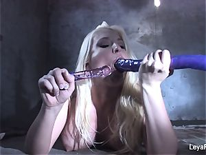Leya Falcon catapults sex toys in both her fuck holes