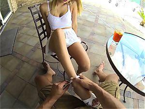 Natalia Starr takes her man inwards to pound