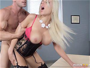 super hot chief Nina Elle tempts her worker