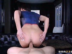 Frustrated Jennifer milky rides Bill Bailey for a red-hot facial cumshot