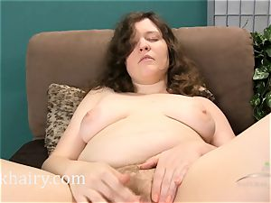 wooly curvy Dawna gets super-cute and moist for you