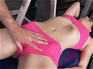 Gym babe Casey Calvert enjoying her exercise