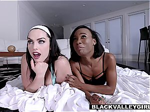 gfs have a sleepover lovemaking