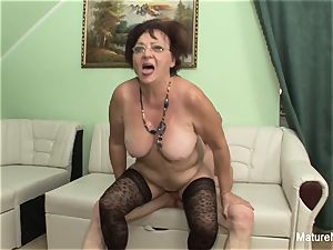 naughty mature keeps her stockings on for drilling