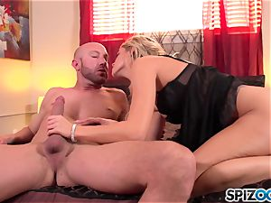 Spizoo - beautiful Jessa Rhodes is humped by a humungous trouser snake
