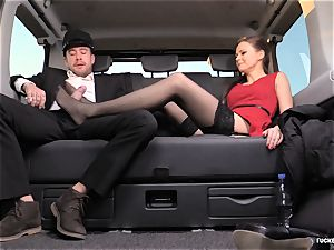 boinked IN TRAFFIC - british Tina Kay fucked in the car