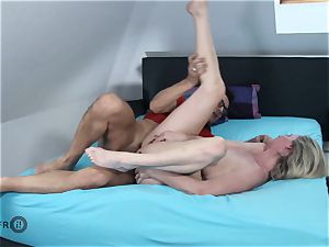 HITZEFREI German mature messy Tina has her arse pounded
