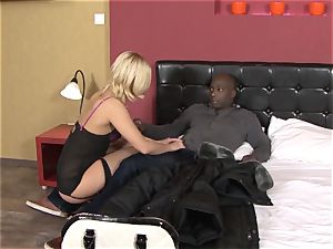 Invited a stranger cuckold trainer to nail ash-blonde wifey
