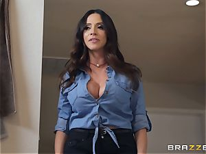 Ariella Ferrera steaming 3 way