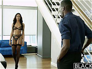 BLACKED fresh York call girl Tiffany Brookes Gets facial cumshot From ample ebony man meat