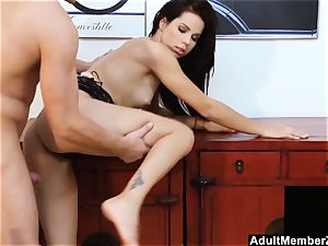 Pouding Ferrara Gomez And nutting On Her soles