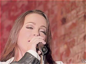 Abigail Mac sings well but she porks nicer